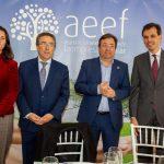El presidente de la Junta de Extremadura destaca el papel vertebrador de la empresa familiar